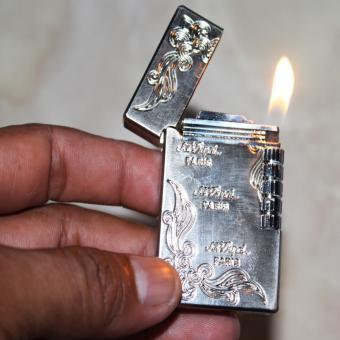 Korek Gas Isi Ulang Dupont 3572 Warna Exclusive / Silver
