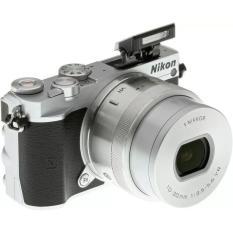 Nikon 1 J5 Kit 10-30 ; Nikon J 5