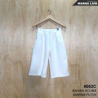 Alicia Celana Kulot Scuba 3/4 / Kulot Pants (White)
