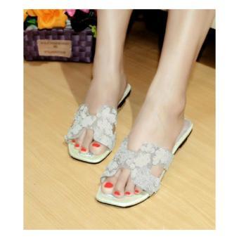 Arlaine Chika Flat Sandal [White]