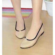 Arlaine Snow Ball Flat Shoes