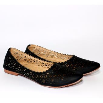 Marlee ERHN-01 Laser Cut Off Flat Shoes - Hitam