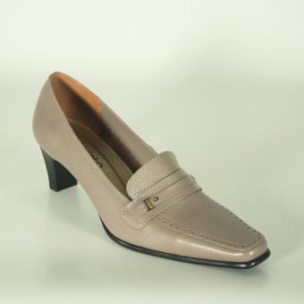 Sepatu kerja wanita formal abu