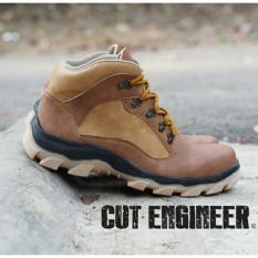 Sepatu Tracking Gunung Boots Pria - CUT ENGINEER CE16 - Coklat