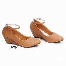 Sepatu Wanita Mary Jane Wedges WP38 - Tan