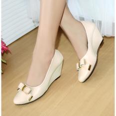 Sepatu Wanita Wedges Pantofel Sintetis Pitakun Cream NF-05