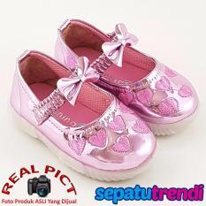 Trendishoes Sepatu Sekolah Anak Perempuan Cantik Kb021 Hitam Source · TrendiShoes Sepatu Anak Bayi Perempuan Kilap