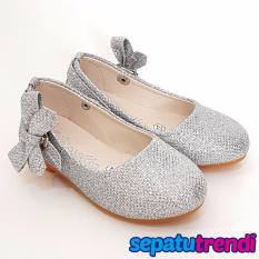 TrendiShoes Sepatu Anak Perempuan Glitter Pita Samping AP013 - Silver