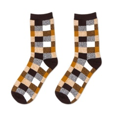 Vanker-Cool Durable Classic Men Charming Colorful Plaid Checker Cotton Socks Casual Autumn Socks (Yellow) - Intl