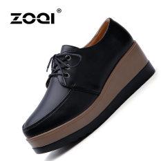 ZOQI wanita musim panas ditutup-kaki irisan kulit asli sepatu kasual yang nyaman meningkatkan (Hitam).