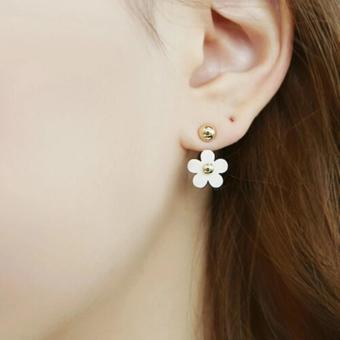 Anting Daisy Cute Small White Daisy Flowers Stud Earring