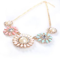 Fashion Resin Rhinestone Five Charm Color Flower Shape Collar Bib Necklace B94U