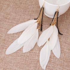 LRC Anting Wanita Sweet White Feather Pendant Decorated Tassel Earring