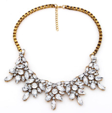 New Vintage Necklace Retro Exaggerated Punk Resin Flower Alloy Chunky Choker Statement Necklace Fashion Jewelry For Women (Intl)