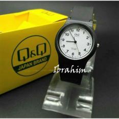 Q&Q - Jam Tangan Wanita & Pria / Remaja / ABG QQ 1708 HR - Analog Water Resist 10 M - Bahan Tali Karet Lentur - Model Simple