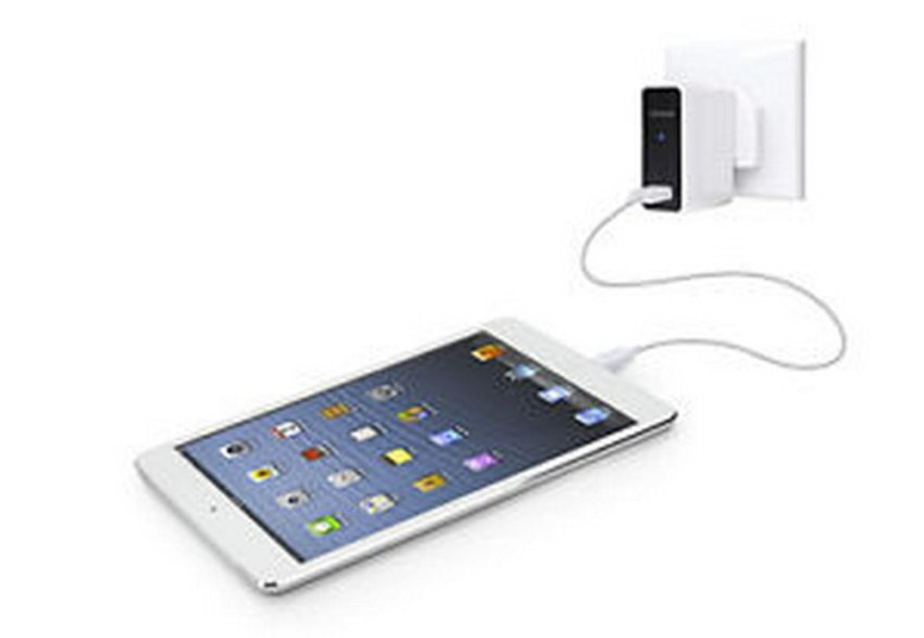 Capdase Usb Power Adaptor And Cable Ampo 2,4A Putih