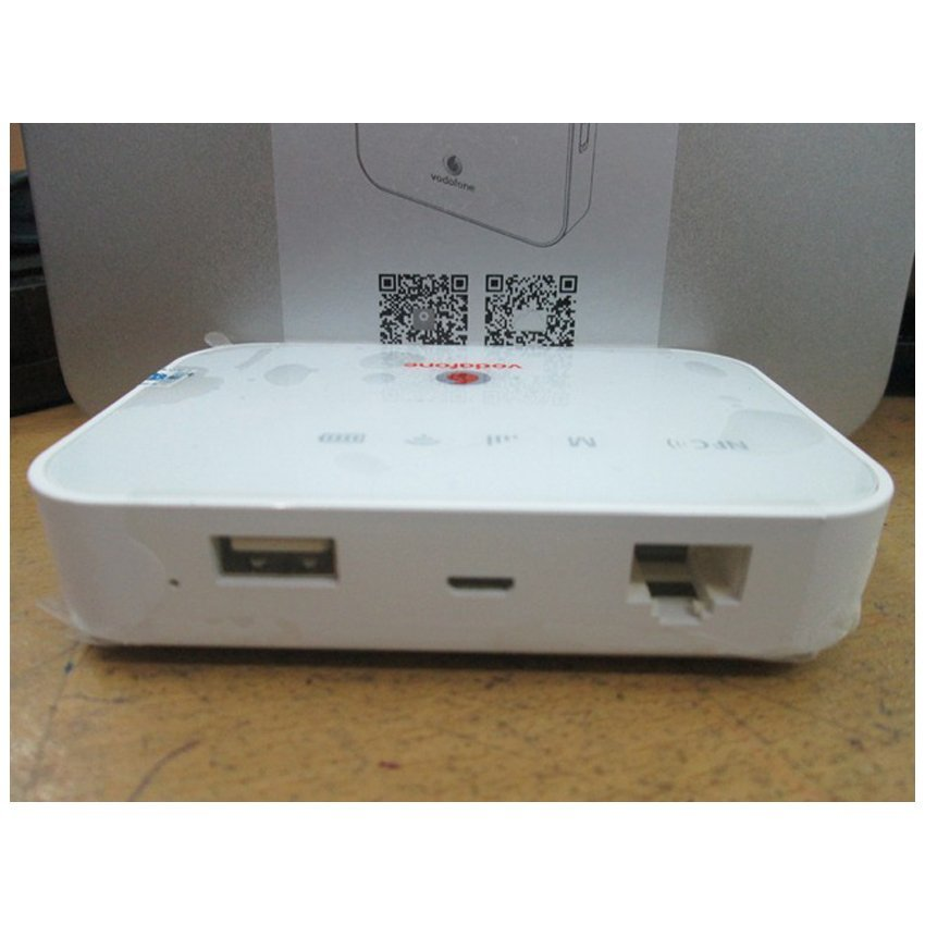 Vodafone Cyborg MR88 Modem Router Wifi GSM HSPA+ 21Mbps Max 250 User