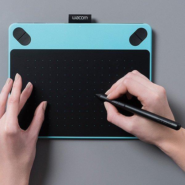 Wacom Intuos Comic CTH-490 Pen & Touch Small Mint Blue + Gratis Softcase & Antigores