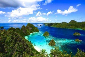Butik Wisata Travel - Voucher Edisi Liburan IndonesiaKu Papua Barat- 5 Hari 4 Malam Raja Ampat Wayag & Painemo