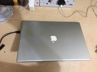 Murah - Laptop APPLE MAC BOOK RAM 4GB HDD 320GB- Desain Keren Elegan Cocok Buat Office Kantoran