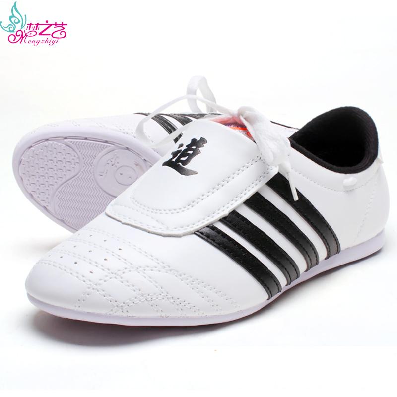 Lembut bawah laki-laki musim panas bernapas sepatu jalan sepatu Taekwondo