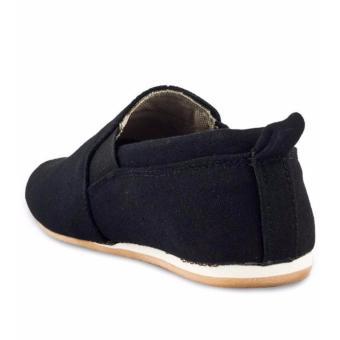 Harga BAE WEAH Sepatu Casual Pria slip On Pria Blackmaster Ozil ( Hitam )  Terbaru klik gambar. fa25f82c56