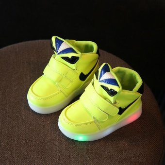 Boys and girls small monster fashion LED casual sports shoes(Green) - intl