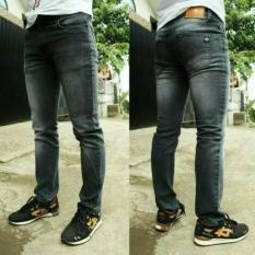 Glow Fashion Celana jeans joger panjang wanita jumbo long pant LianaIDR100800. Rp 101.500