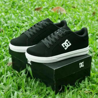 harga DC Flash Shoe Sepatu Sneaker Pria - Black Lazada.co.id