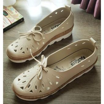 Gambar Flat Shoes Hole Kickers Cewek Cream