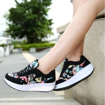 Harga QUEEN Flower Sneaker Black IN60 ~ Hitam