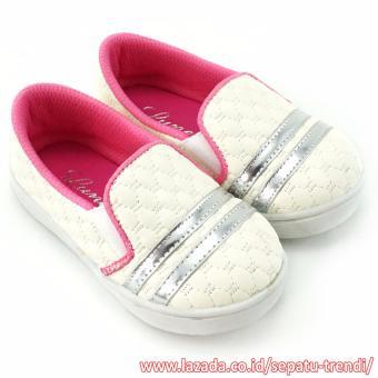 TrendiShoes Sepatu Anak Bayi Perempuan Slip On Cantik Elegan PLAG - Putih