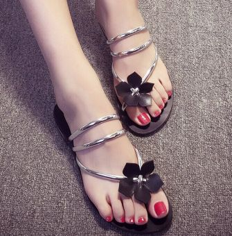 Harga New Fashion Women lady girl's Bohemia Flower Flat Shoes Casual Beach Sandals Thongs Slippers Flip Flops Color:Silver Size:35-40 WXZ070 - EU:40 - intl