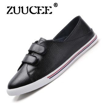 Harga ZUUCEE Leather small white shoes women new flat shoes casual shoes Korean students sports shoes women's shoes(black)