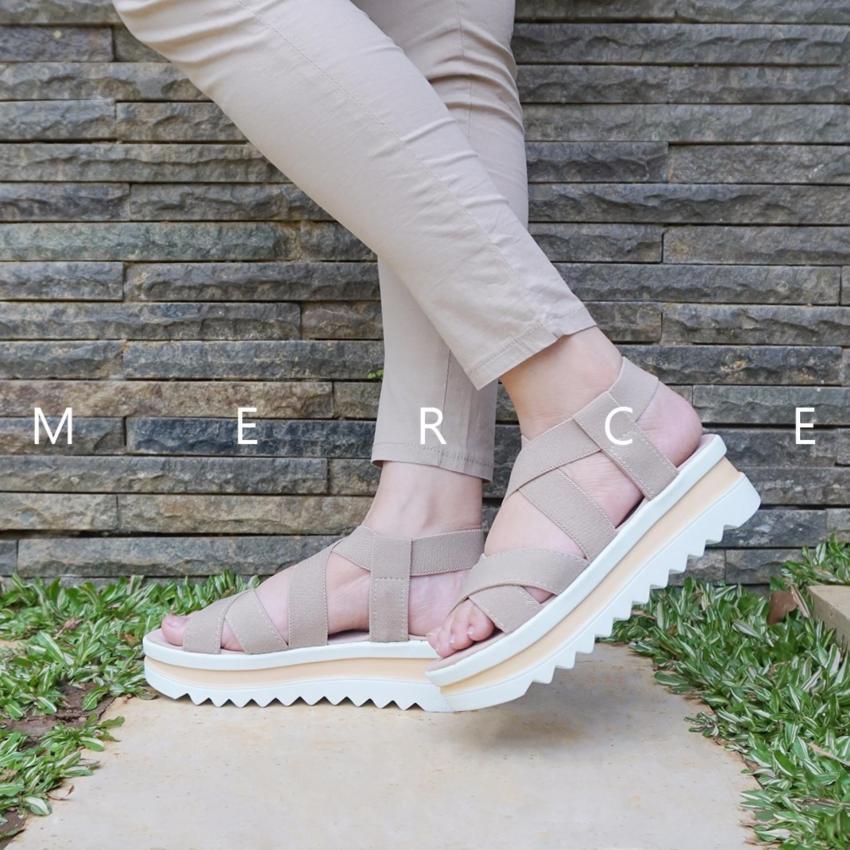 Jual Beli Isabel - Merce Sandal Platform Karet Cream 1ee00d1a