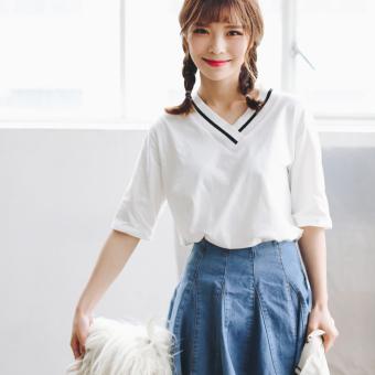 Kaos wanita Satu Warna lengan pendek kerah V model longgar gaya Korea (Putih )