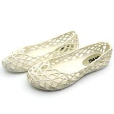 Kasual tergelincir deodoran memakai bersol lembut sandal dan sandal dengan sandal datar (Putih susu)