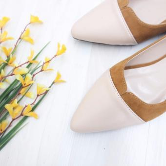 ... Harga KelinciMadu Edgy Flatshoes Cream Terbaru klik gambar