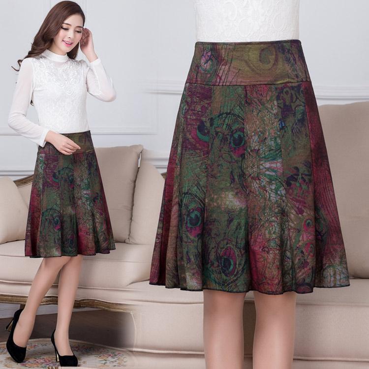 Plus-sized slimming base shirt Women's Top (Hitam). Source .