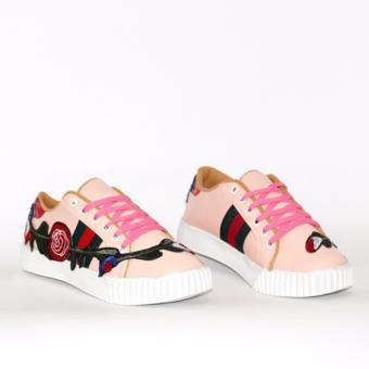 Yutaka Sepatu Wanita Cream B3 Daftar Harga Terlengkap Indonesia Source · Marlee Sneaker Wanita Motif KP
