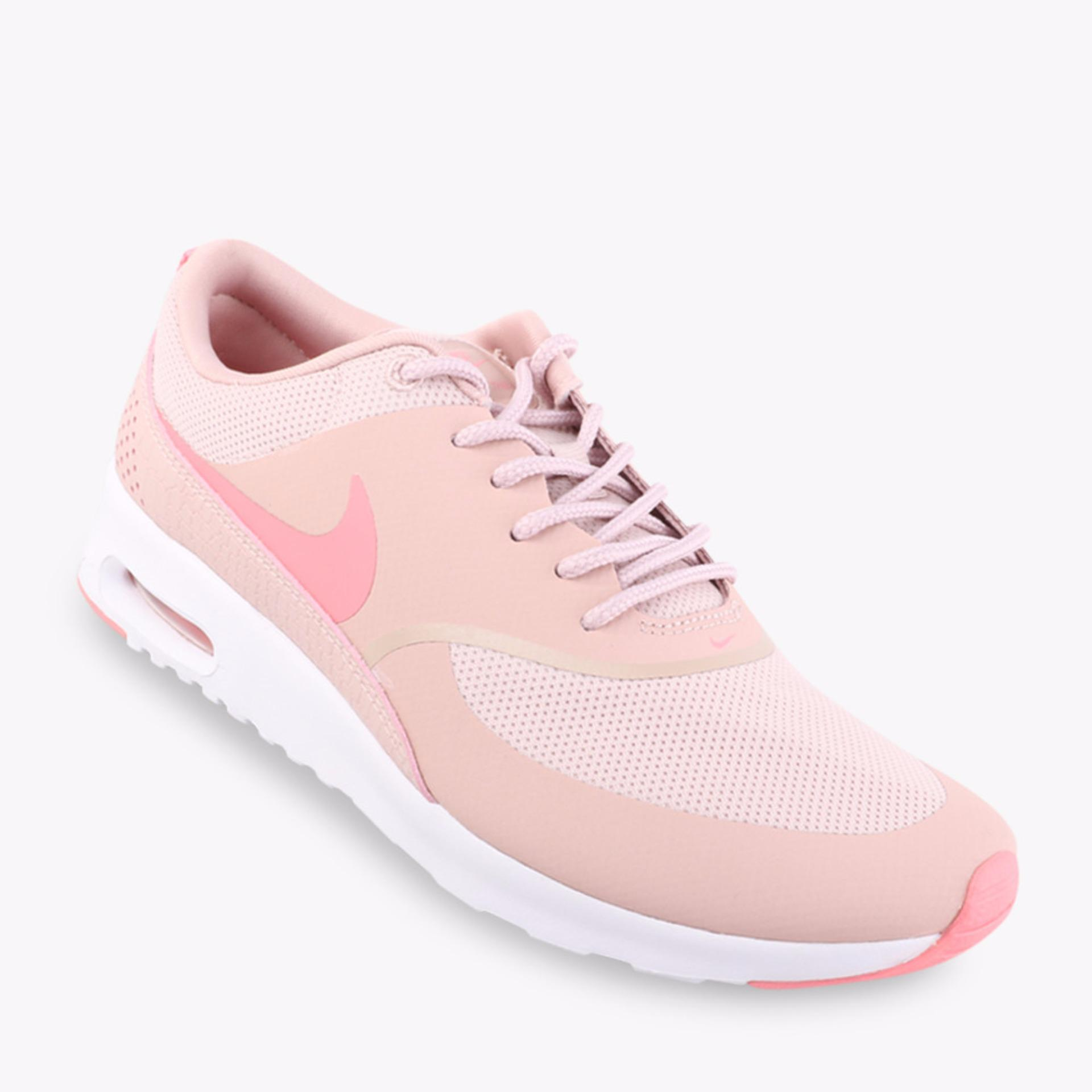 quality design 985b1 42705 cheap nike womens shoes nike air max motion lw sneaker black white y72e2  larger image f250e c03c1; reduced nike air max thea sepatu wanita pink  70837 7c6b5
