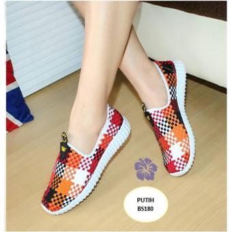 Sepatu Kets Slip On Wanita Anyam Putih - Cynthia BS