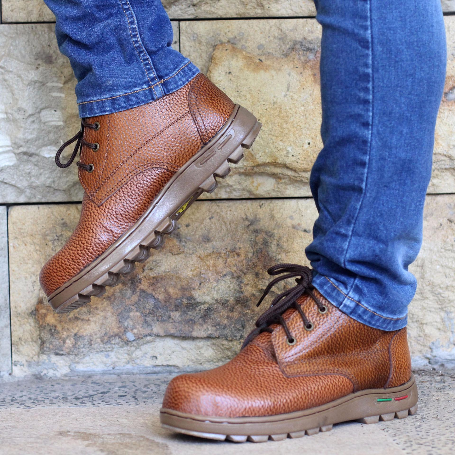 Sepatu Safety Proteo P2 Coklat .