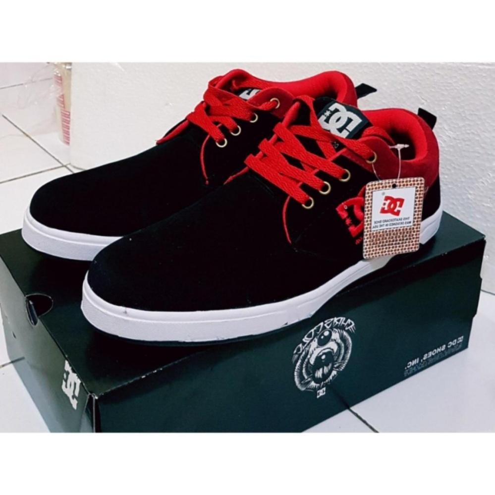 Anggaran Terbaik Sepatu Sneakers DC DCshoecousa Black Red Harga Terendah 30d32764f8