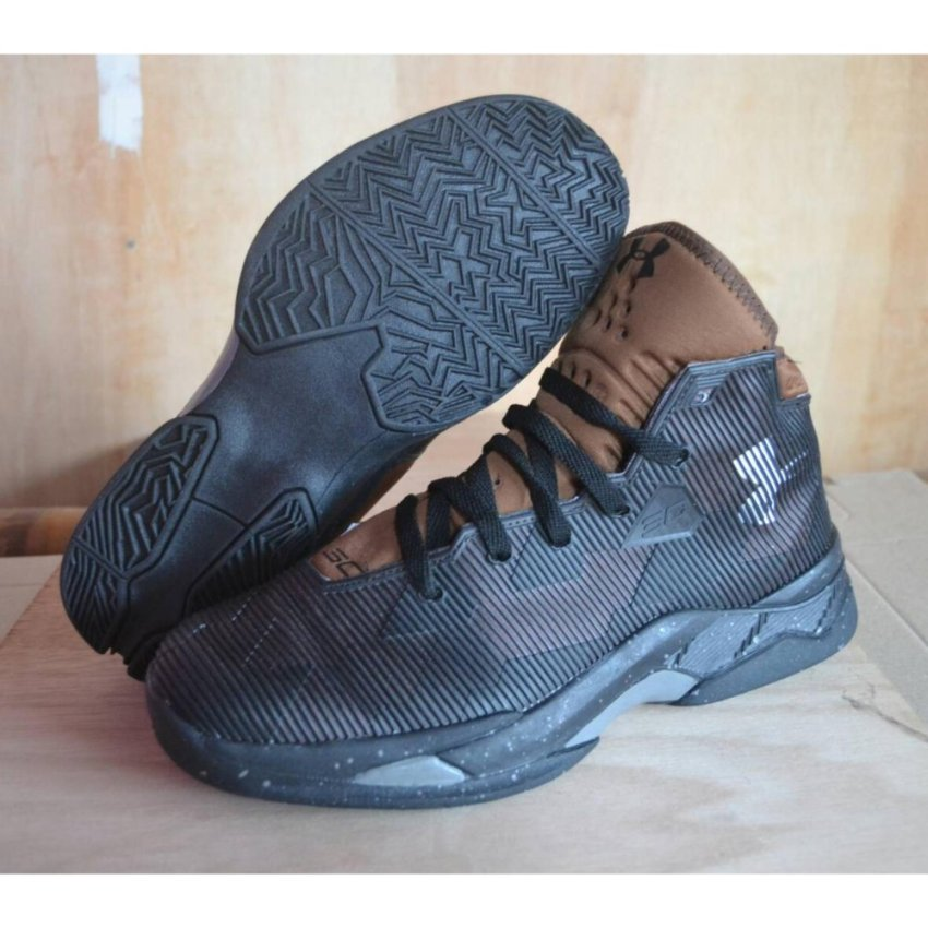 Pakaian Fashion Pria Sepatu Basket Sejuk Abu Daftar Harga Terbaru Source ·  Jual Produk Under Armour a3a264452a