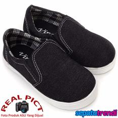 TrendiShoes Sepatu Anak Laki Slip On Denim Elegan 01SLAG - Hitam