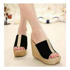 Wedges Pesta Hitam Strip Gold