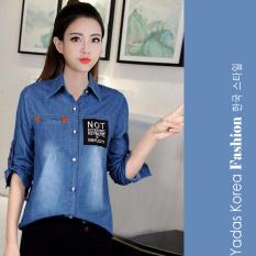 Menggantung-Qiao Panas Gaya Korea Jual Baju Wanita Atasan Bergaris Leher V Baju PutihIDR96000.