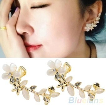 Amefurashi Anting Korea Crystal Opal Flower Clip Earring Beauty