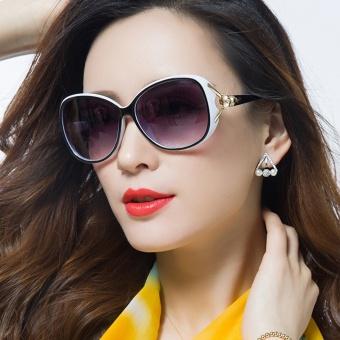 Dolaer Kacamata Hitam Polarisasi Wanita
